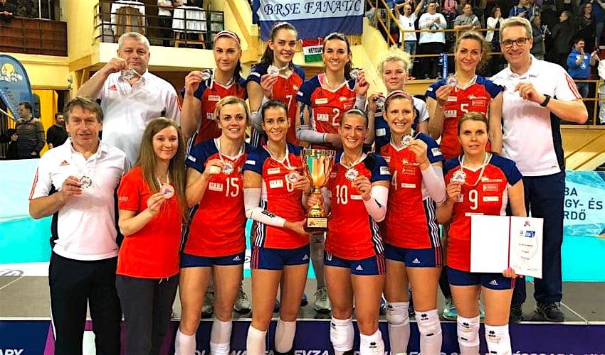 Volejbalistky Olomouce přivezly z Maďarska stříbro!