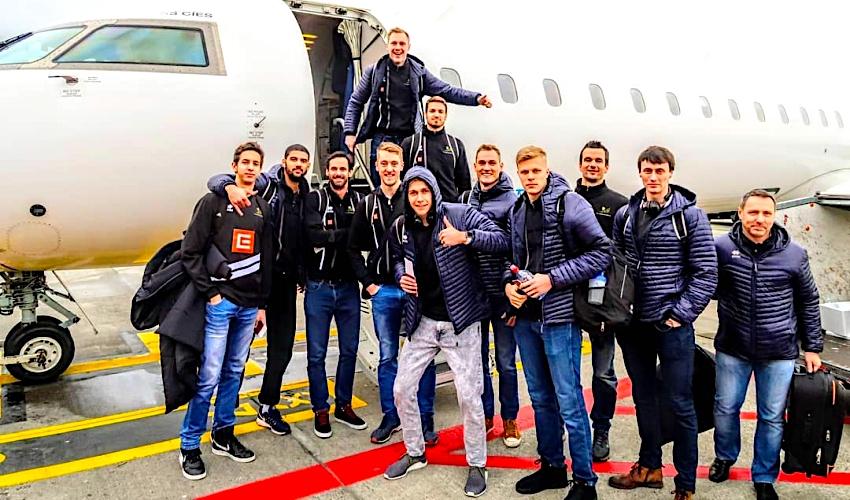 Komplikace! Hráči Karlovarska letěli do Itálie přes Brusel, trénink zvládli
