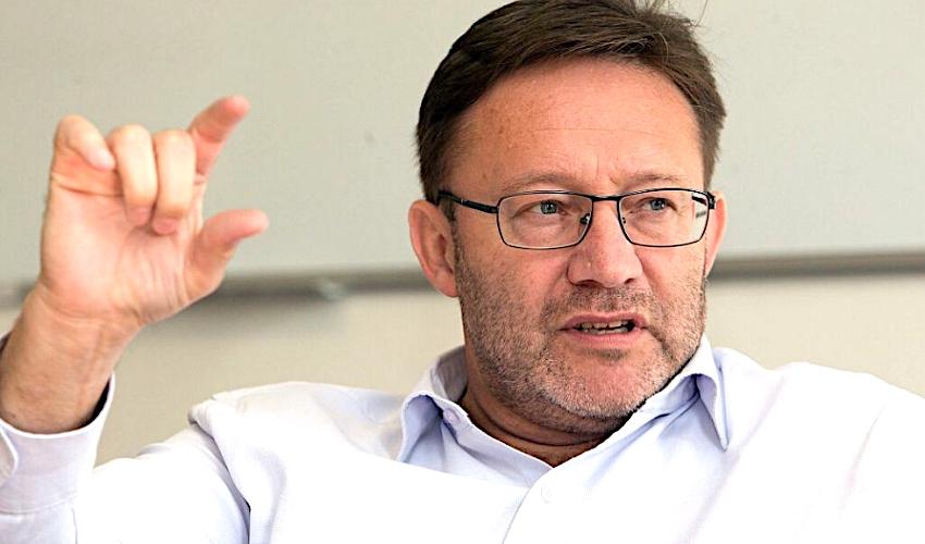Uzavřít extraligu? Šéf volejbalistek Olomouce řeší situaci Šternberka
