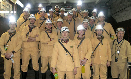 Polish volleyball team 800m under the Earth's surface!