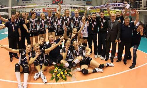 Photos: Dabrowa Gornicza celebrating bronze medal