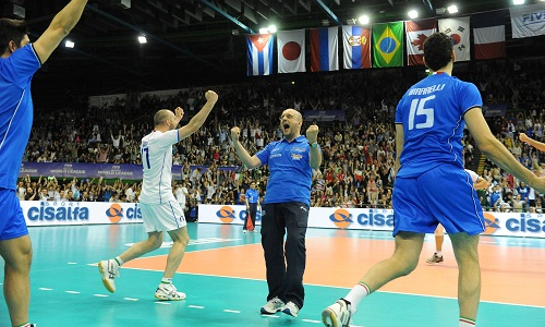 WL: Italy unbeaten after the first round