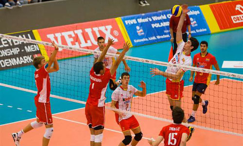 Junior ECH: Spain qualifies for semis. Maciej Muzaj led Poland to the another victory