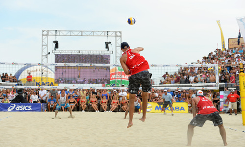 Beach volleyball back to its origins