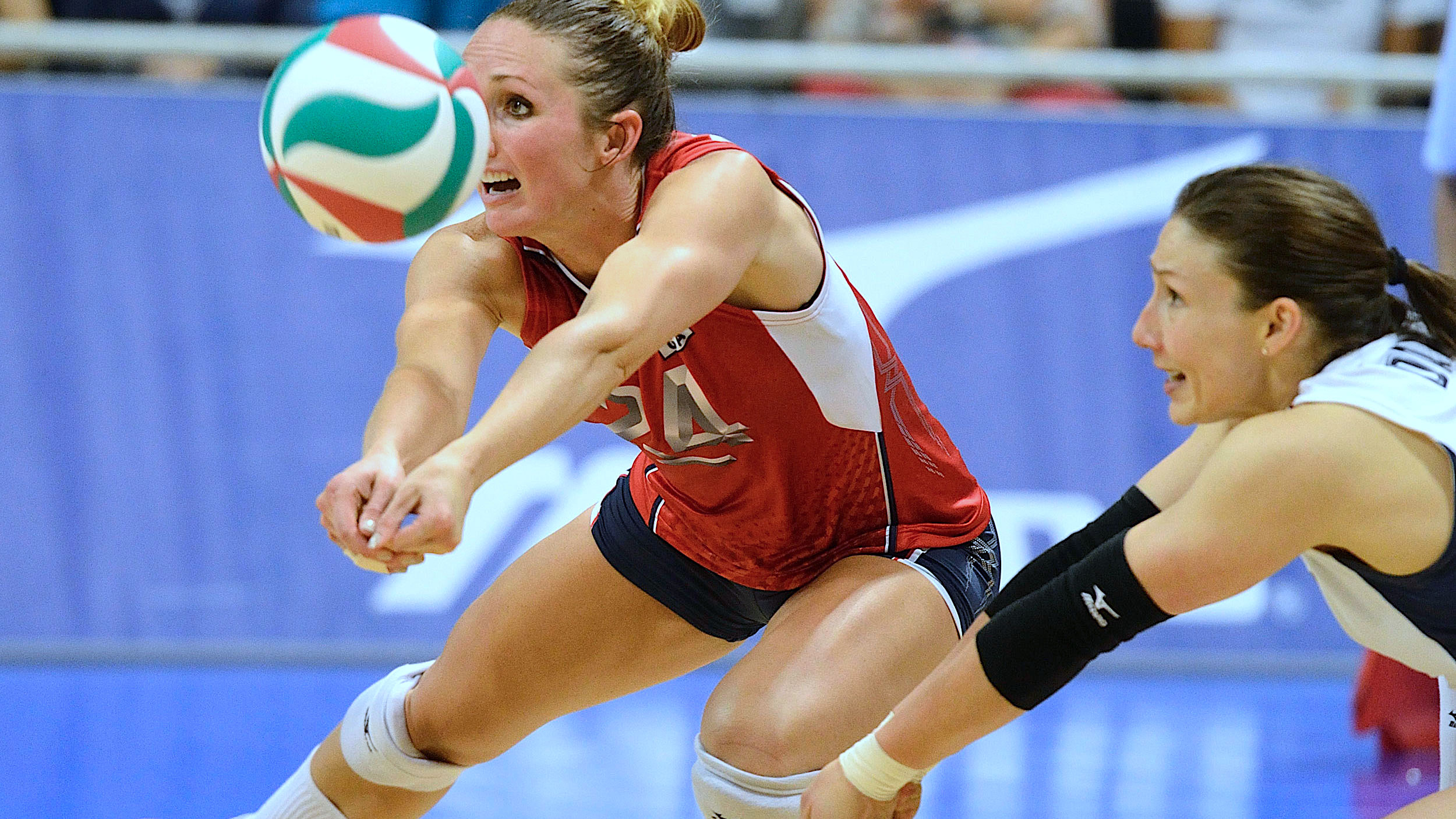 Top 4 Basic Skills You Must Master In Volleyball | VolleyCountry